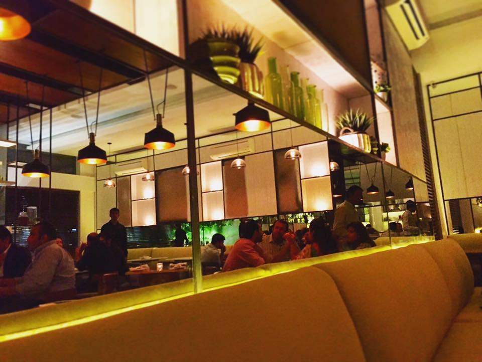 xanders - cafe in karachi