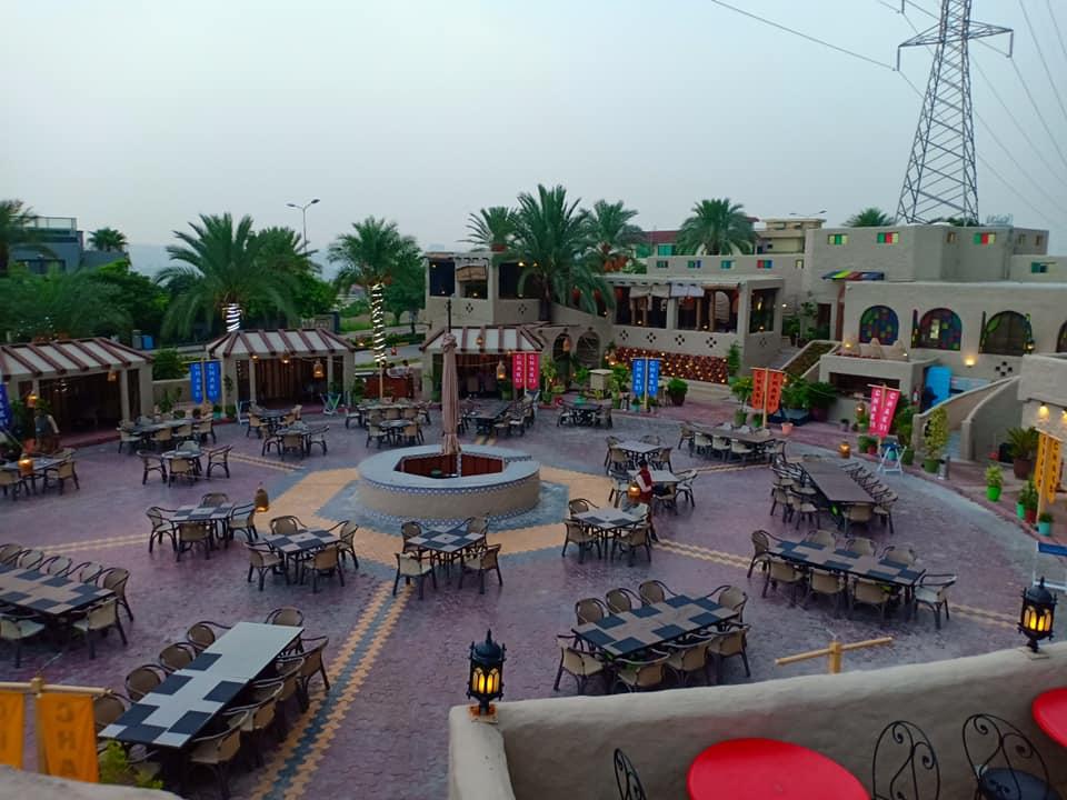 chak 51 restaurant in bahria town