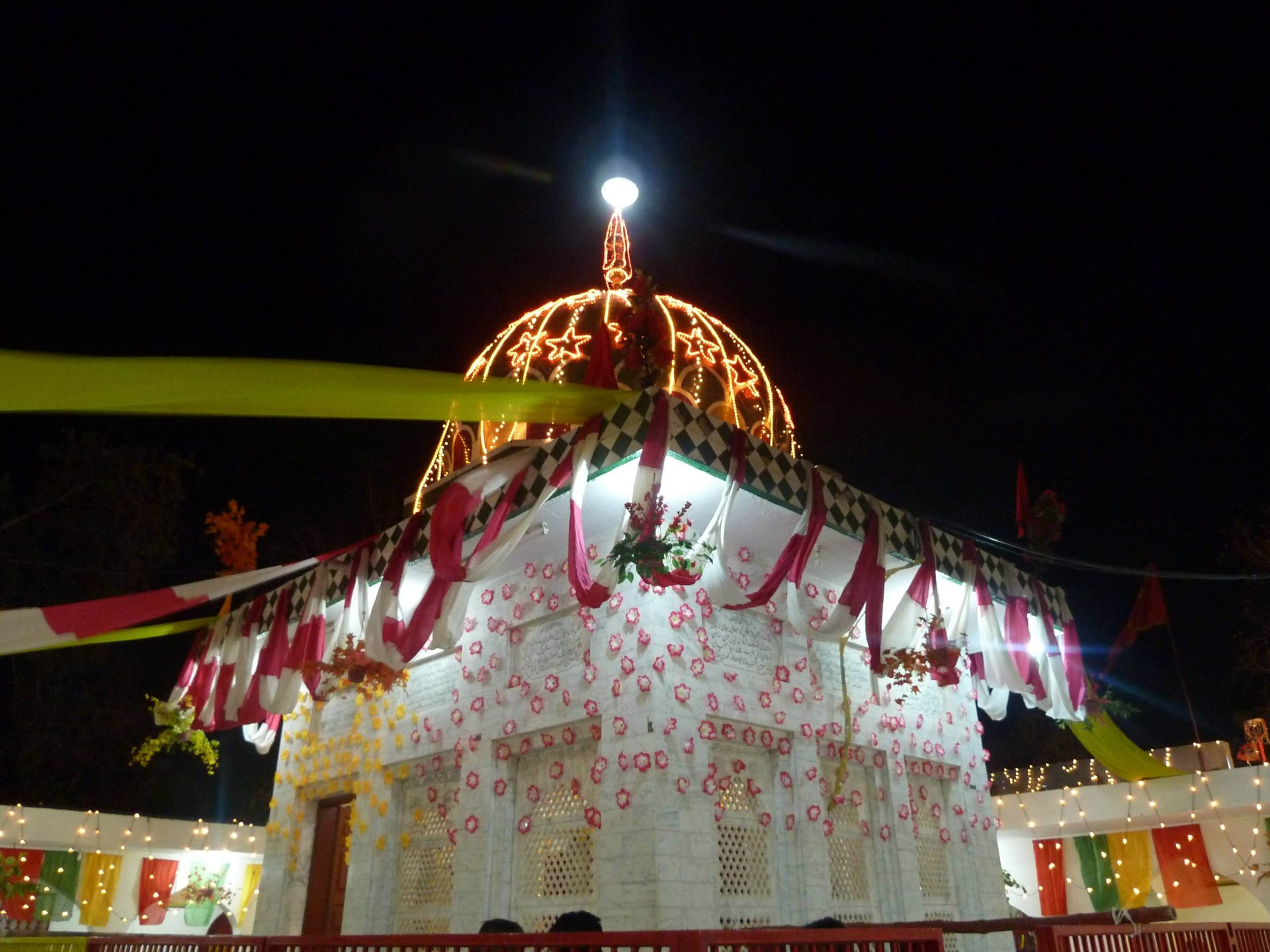 Shrine-of-Maddho-Lal-Hussein in lahore