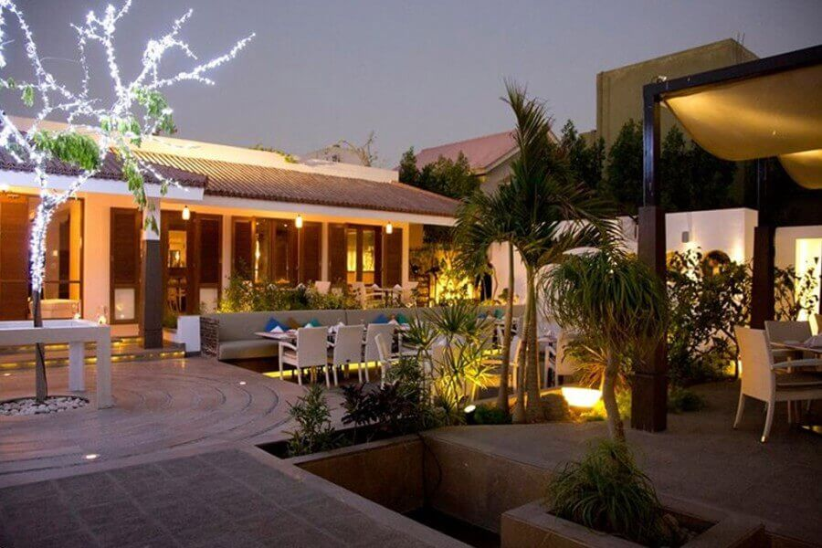 cafe aylanto in karachi - restaurant in karachi