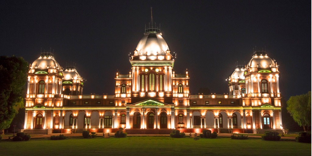 noor-mahal-bahawalpur-pakistan-historical-place-in-Pakistan
