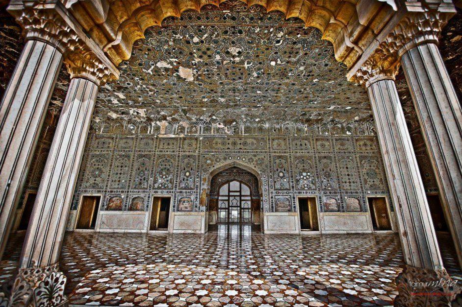 Sheesh Mahal lahore